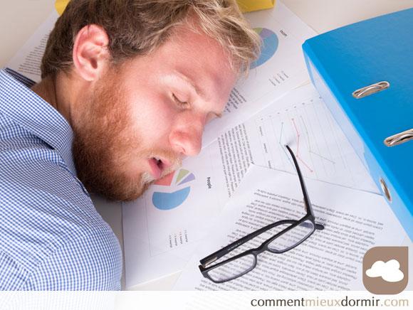 La sieste au travail une arme anti burn-out